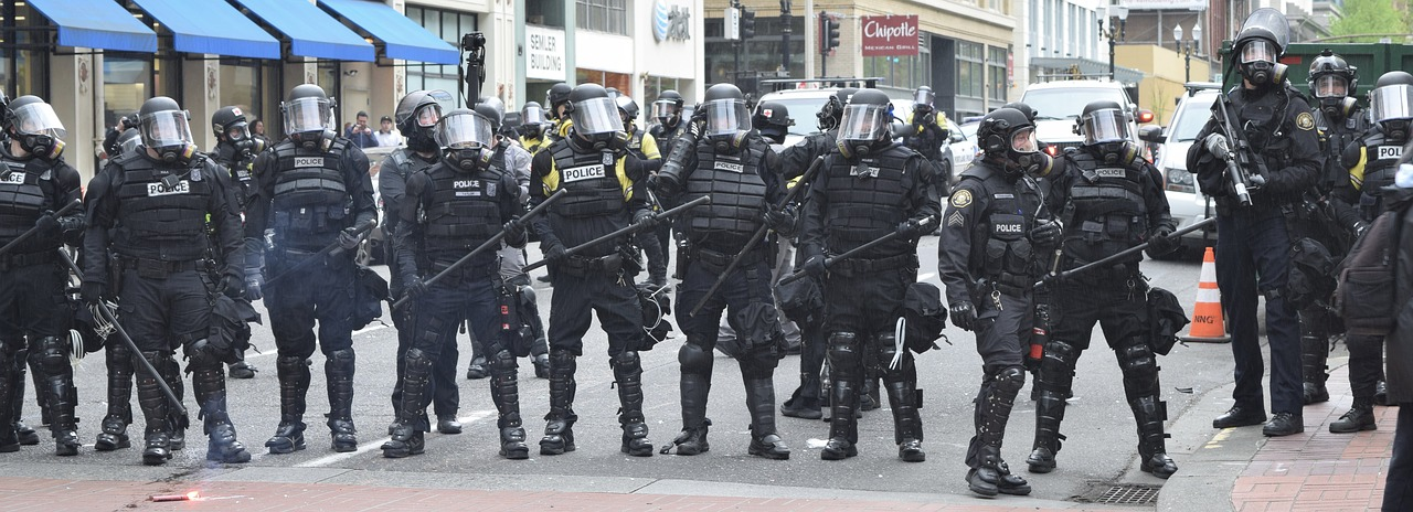 Federal troops homeland security agents in Portland Oregon
