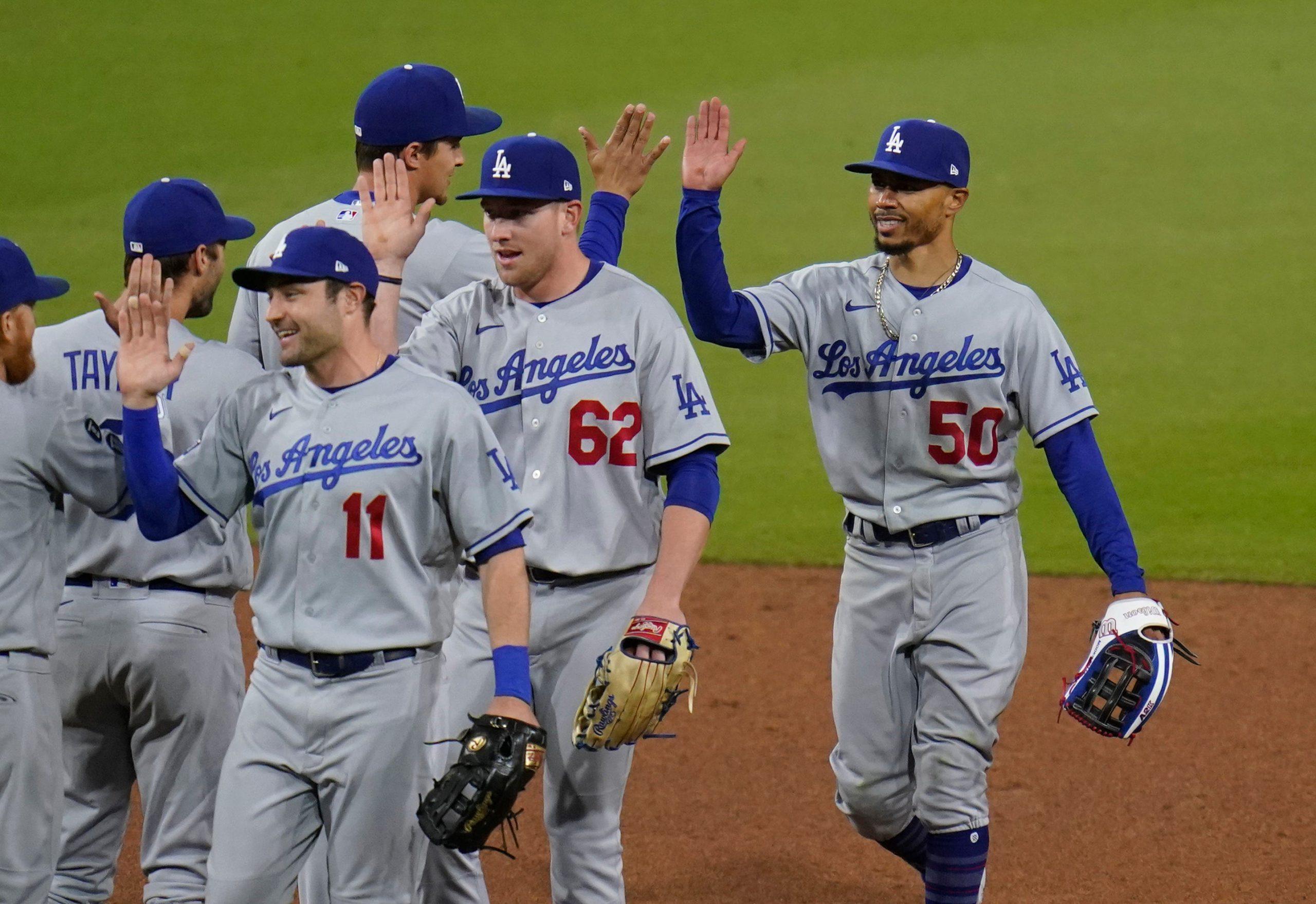 32a5bee8-9e9e-44d4-ab1e-16fbfb3e972c-AP_Dodgers_Padres_Baseball