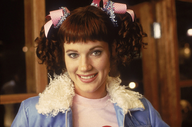elisa-donovan-from-clueless-talked-about-struggli-2-19987-1618802789-0_dblbig